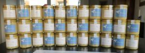 Die ersten fertigen Honiggläser des Erntejahres 2015