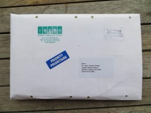 Briefumschlag mit Bienenköniginnen