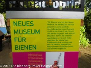 Künstlerguppe Finger: Neues Museum für Bienen (in Frankfurt am alten Flugplatz Bonames)