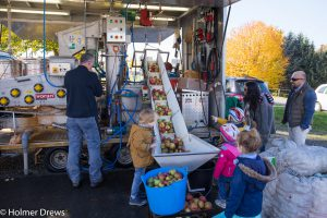 Die mobile Apfelkeltermaschine